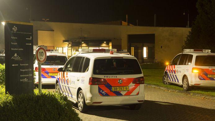 Op het terrein van het asielzoekerscentrum in Overberg was het in september onrustig.
