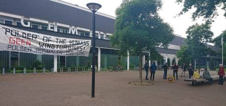 Demonstranten vangen bot: Oss laat 'schokkende' woorden over windmolens Lith staan