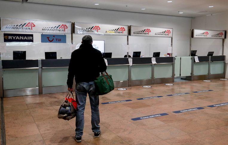 Lege servicedesks van Aviapartner op Brussels Airport. Archiefbeeld. Beeld EPA