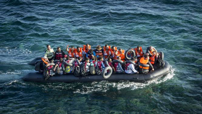 Boot die 13 migranten naar Engeland bracht, is gekocht bij botenhandelaar in Rotterdamse regio