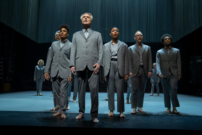 American Utopia is een wonder van vrijheid in een loeistrak muzikaal korset. Beeld