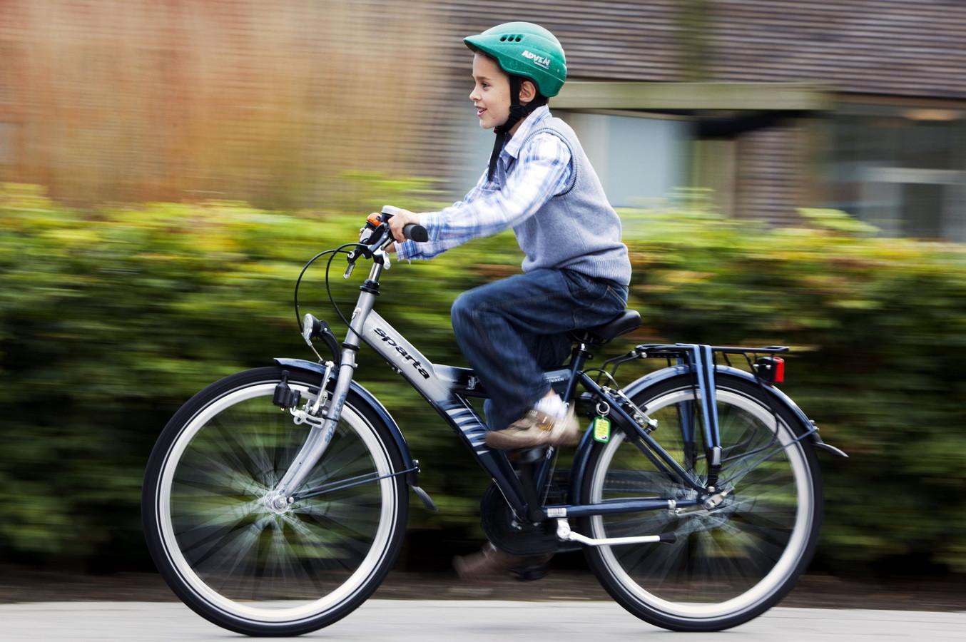 Als alle basisscholen meedoen, gaat het volgens het CDA om 3400 leerlingen en dus evenzoveel fietshelmen