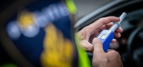 Elf mogelijke drugsrijders aangehouden in Almelo