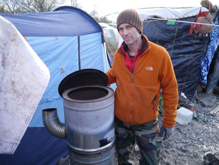 Michiel Oosterveld in kamp Grande-Synthe. Beeld Kleis Jager.