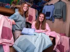 De hoodies van deze zussen maken je blij: 'Na elk filmpje op TikTok 5 bestellingen'