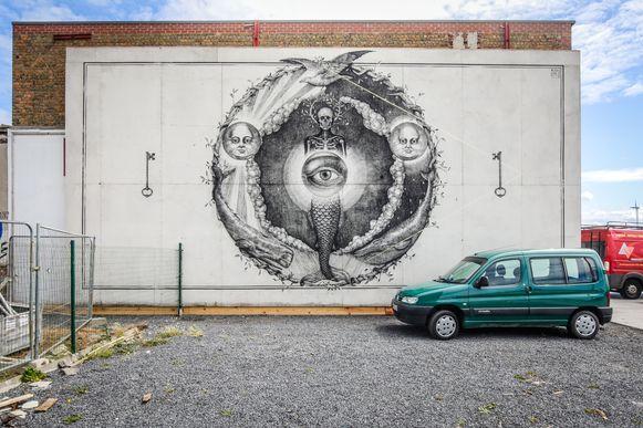 Het werk van Alexis Diaz kreeg een nieuwe plek op Oosteroever op de zijgevel van O.666.