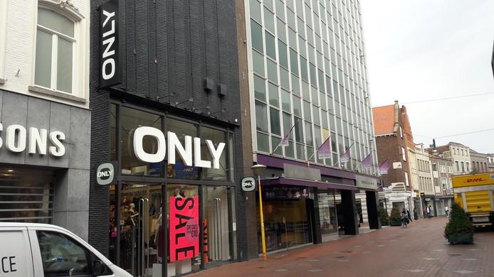 Ook het pand van Only, naast de voormalige V&D in Eindhoven is van dezelfde eigenaar als het parkeerterrein erachter.
