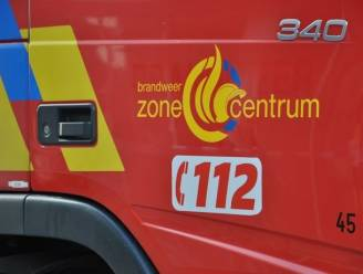 Vrachtwagenchauffeur (48) bevrijd uit cabine na kop-staart aanrijding op N35