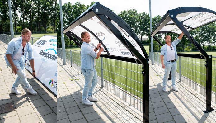 René van Dieren laat zien hoe zijn ontwerp werkt.