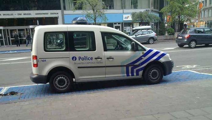 Un véhicule de police garé sur une place pour handicapés n'a pas échappé à l'oeil d'un détenteur de GCUM