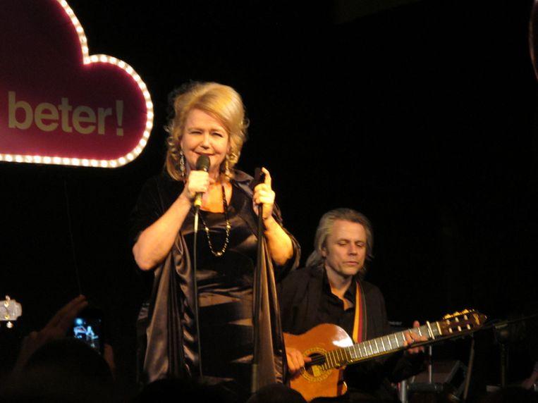 Mathilde Santing zingt voor het eerst in 25 jaar een zelfgeschreven nummer.  <br /> Beeld