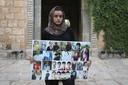 Ashwaq Haji toont in Irak portretten van mensen uit haar jezididorp die slachtoffer werden van IS. Zelf zou ze als seksslavin zijn misbruikt.