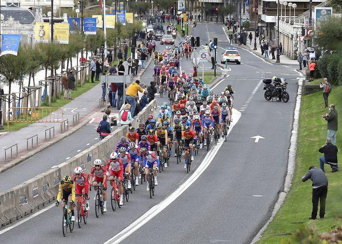 Het peloton tijdens de Vuelta die dit jaar niet naar Nederland kwam.