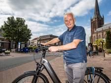 Henny Lammers wil fietsende toeristen naar het centrum van Raalte brengen: 'Het is écht een heel mooi dorp'