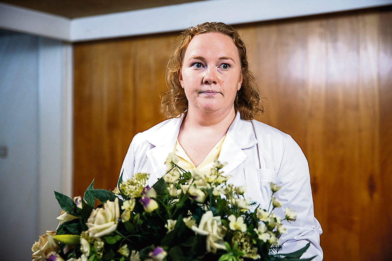 LEEF Vierdelige komische dramareeks die draait rond Anja, een frivole dertiger die vastgeroest is in de routine van haar job. Joke Emmers Beeld VRT