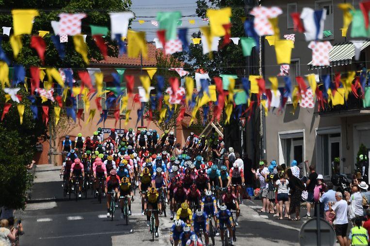 De Tour de France moet de eerste van drie grote rondes worden in het najaar. Beeld AFP