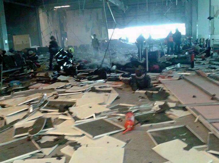 De ravage na de aanslag op Brussels Airport. Beeld Photo News
