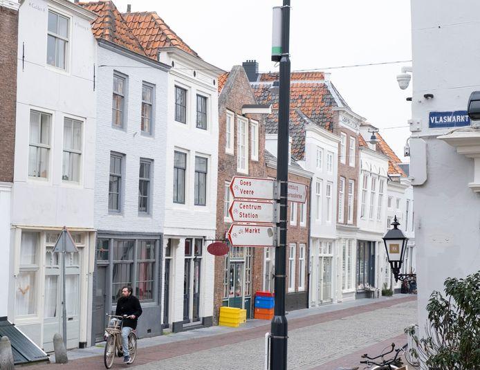 Passantenteller aan één van de lantaarnpalen in centrum Middelburg. foto Dirk-Jan Gjeltema