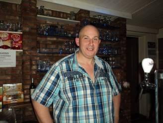 """Franky (50) stopt met uitbating dorpskroeg Roxy in Sombeke: """"Niet failliet, maar sluiting weegt mentaal te veel door"""""""