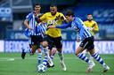 NAC Breda-speler Mario Bilate in actie tegen FC Eindhoven.