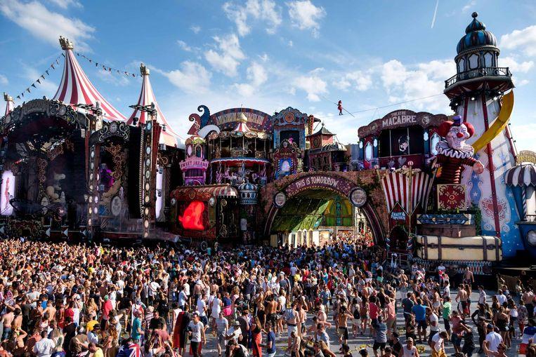 Tomorrowland staat gekend om zijn schitterende decors en thema's. Elk jaar worden nieuwe decors gemaakt, wat heel wat voorbereidingstijd vraagt.
