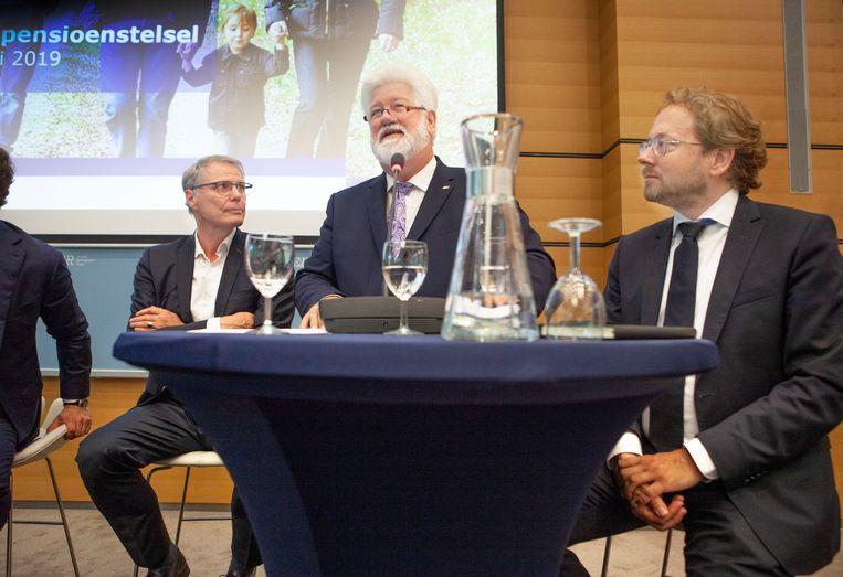 CNV-voorzitter Arend van Wijngaarden aan het woord tijdens de presentatie van de voorlopige pensioendeal vorige week. Beeld Maarten Hartman
