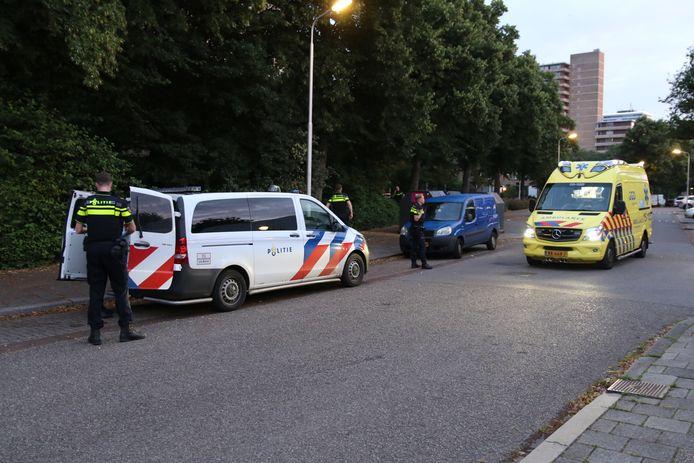 In Delft is vanochtend voor de tweede keer in korte tijd iemand neergestoken. Op de Multatuliweg in Delft werd rond 05.30 uur een man uit het niets gestoken door een nog onbekende dader.