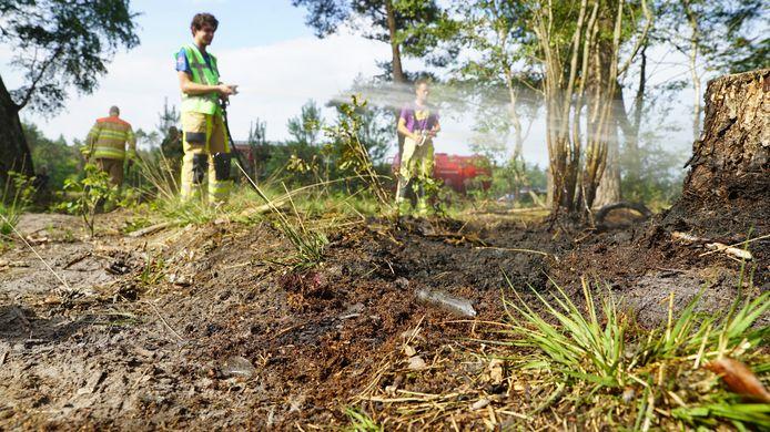 Gebroken glas veroorzaakt bosbrandje bij Lettele.