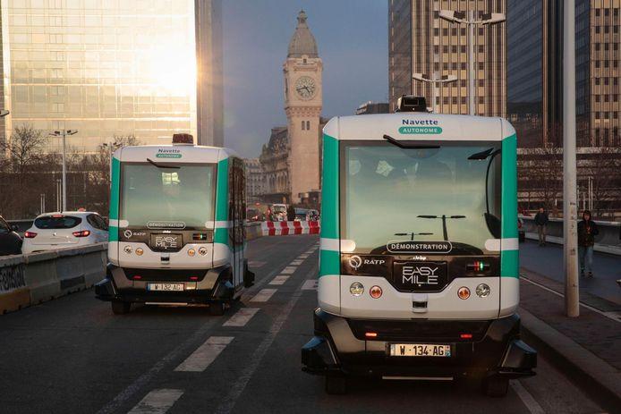 De zelfrijdende busjes van EasyMile werden ook eerder in Parijs getest.