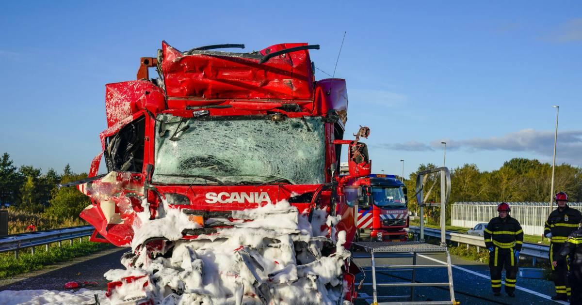 Vrachtwagenchauffeur overleden na ongeval op A59 in Brabant.