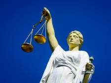 Gennepenaar in cel na 'verwoesten levens ex-vriendinnen'