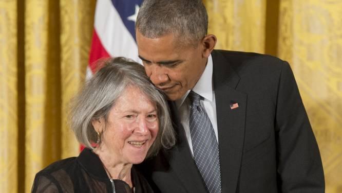 """Amerikaanse dichteres wint Nobelprijs Literatuur: """"Vol humor, soms bijtend met sobere schoonheid"""""""