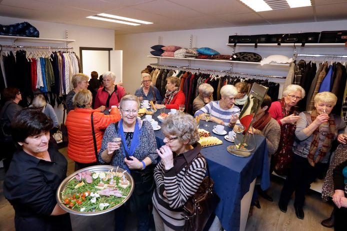 In maart 2017 was het nog een gezellige drukte bij de opening van de nieuwe winkel in Zundert van Terre des Hommes