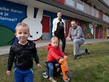 De Strakke Hand maakt nijntje-schildering op flat in Nieuwegein: 'We voelen ons vereerd'