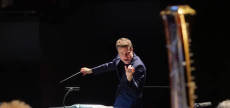 Dag tenortuba, hallo baton: met Bossche branie vestigt Michael Engelbrecht zijn naam als operadirigent