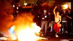 Rellen in de VS bij protest tegen politiegeweld, Trump overweegt inzet leger