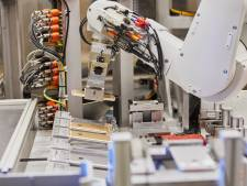 Deze robot ontmantelt alle Europese Apple-gadgets in Nederland