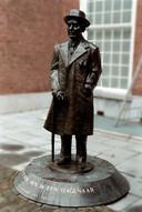Het beeld van Louis Couperus op het Lange Voorhout is een van de bekendste werken van Kees Verkade