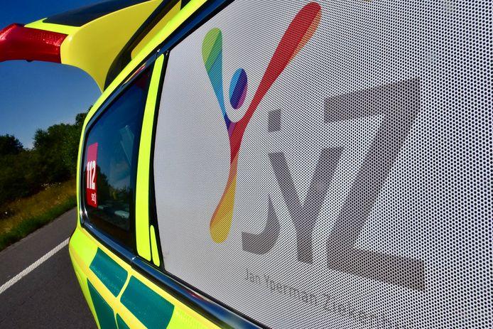 De fietser werd overgebracht naar het Jan Ypermanziekenhuis in Ieper.