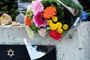 Bloemenpracht bij het Oisterwijkse oorlogsmonument Gevleugelde Vrijheid.
