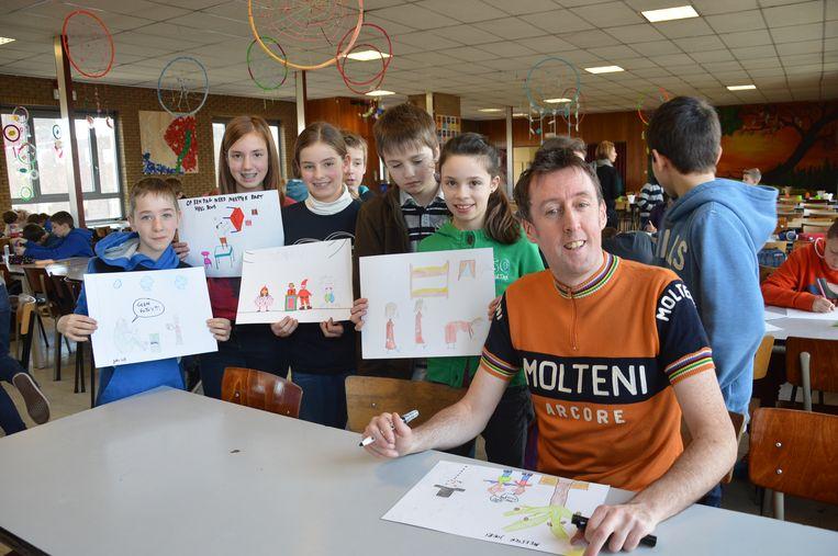 Bart Vantieghem, die ook cartoons maakt, staat volgende vrijdag met zijn comedyshow in het jeugdhuis in Kruishoutem.