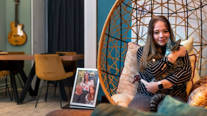 Een jaar geleden verloor Annica (20) haar ouders én haar woning, maar klagen wil ze niet: 'Ik red mij wel'