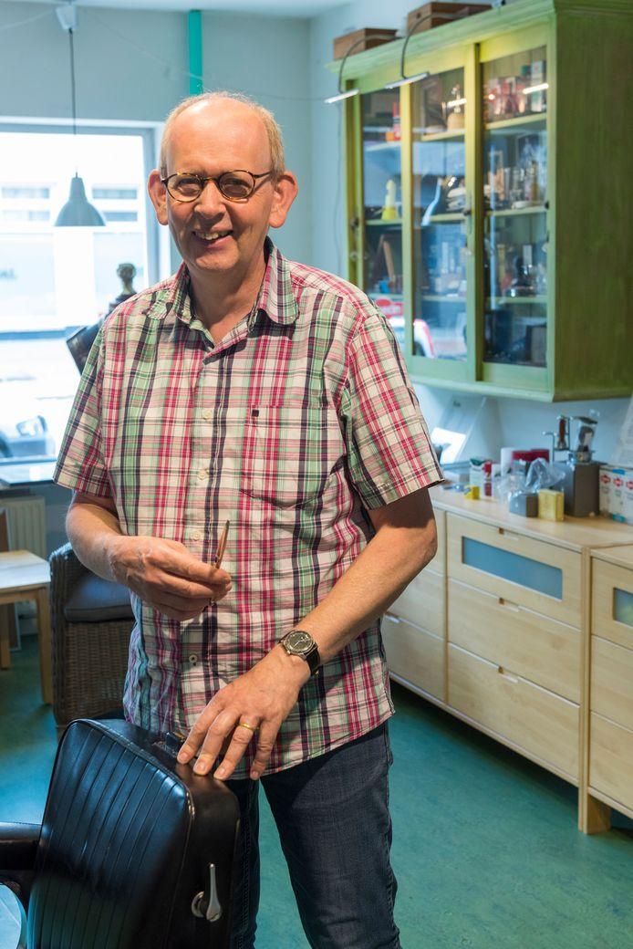 Hans Nabbe knipt vrijdag, na bijna vijftig jaar, zijn laatste klanten.
