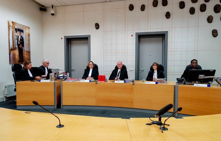 De rechtbank tijdens een fotomoment voor aanvang van de pro-formazitting in de strafzaak tegen hoofdverdachte Gerrit Jan van D. en de Oostenrijkse huurder en klusjesman Josef B. vorig jaar.  Beeld Hollandse Hoogte /  ANP