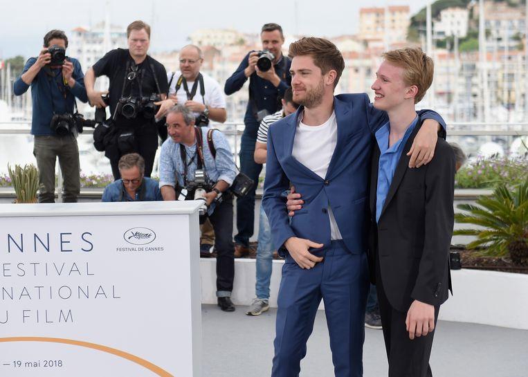 Regisseur Lukas Dhont en Victor Polster presenteren film op filmfestival van Cannes. Beeld Getty Images