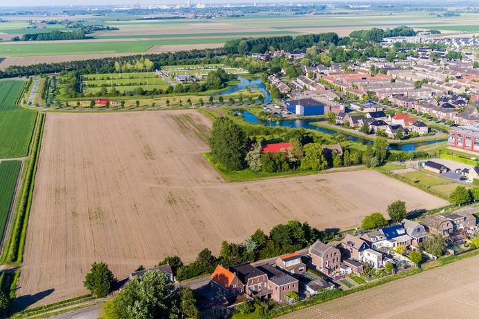 Een  luchtfoto van het gebied waar de waterwijk Fijnaart komt.