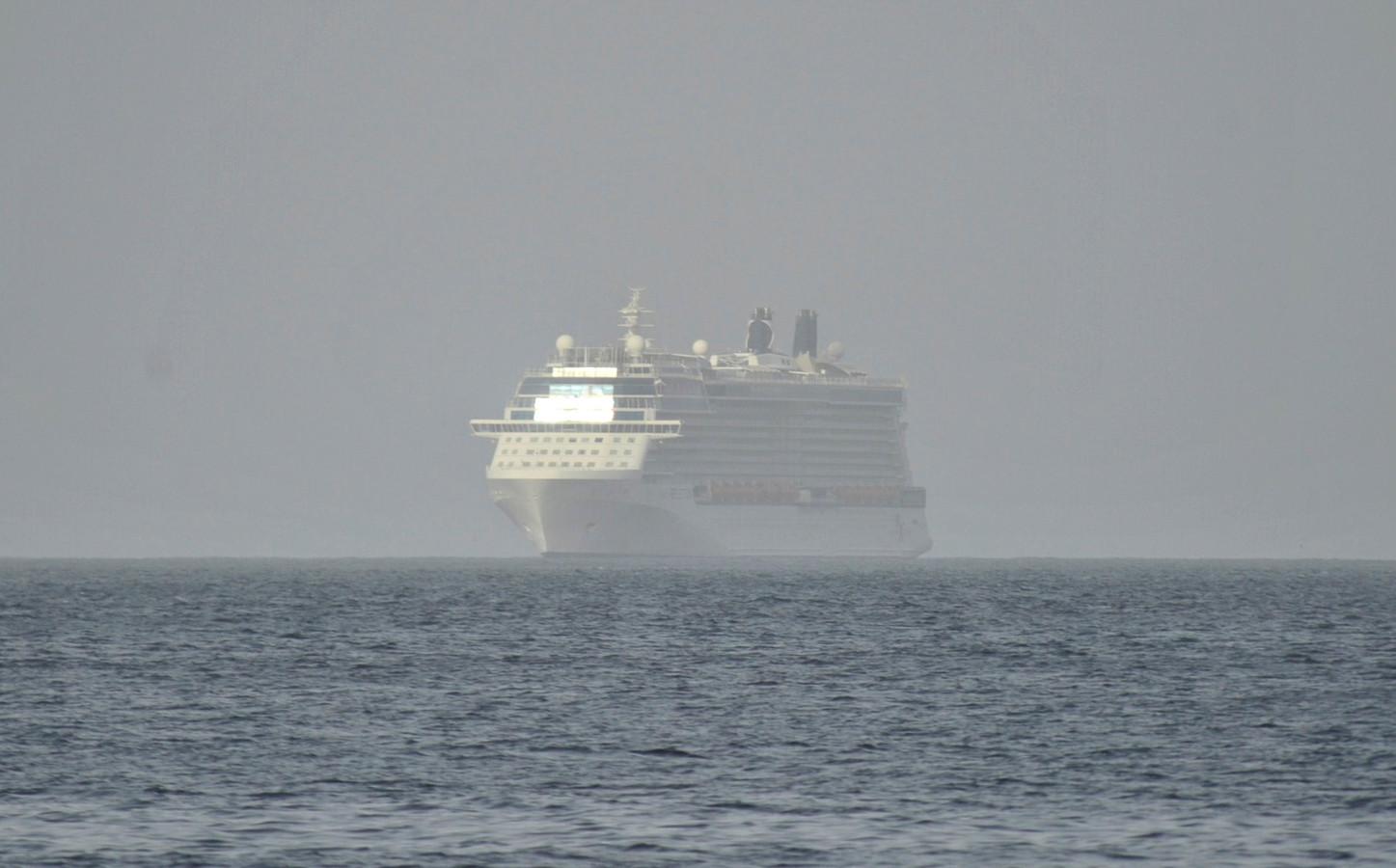 Een van de cruiseschepen die zullen ingezet worden voor de evacuatie.