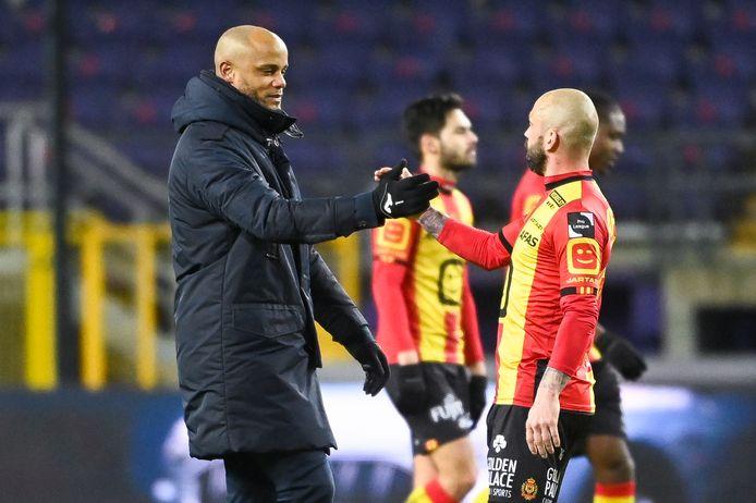 Ancien Anderlechtois, Steven Defour est séduit par le Sporting d'Anderlecht en développement de Vincent Kompany.