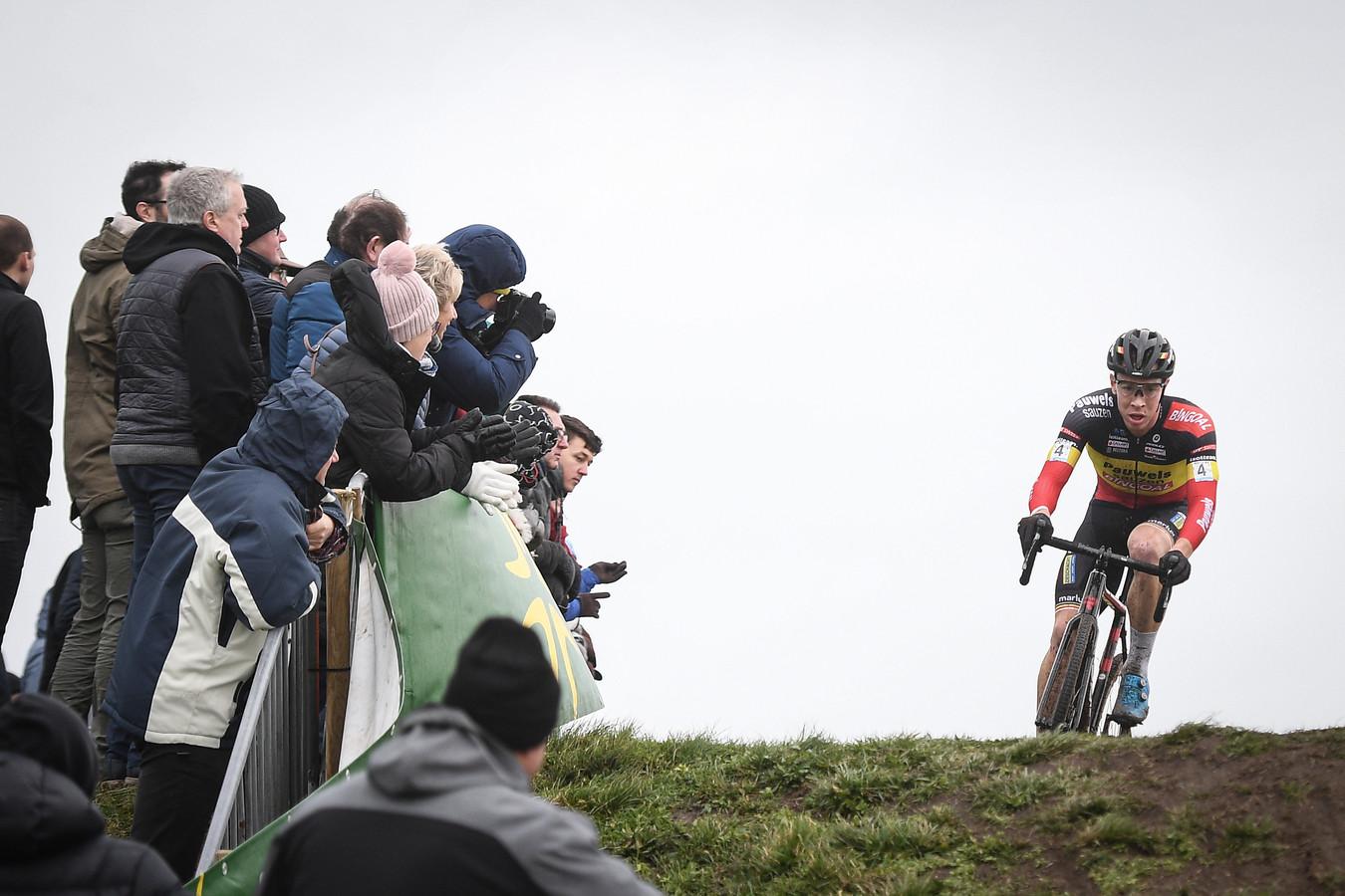 De Vestingcross, morgen in het Nederlandse Hulst, gaat voorlopig gewoon door.