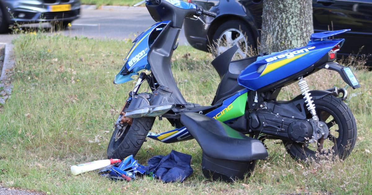 Scooterrijder gewond bij aanrijding Kayersdijk Apeldoorn.